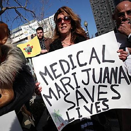 Medical-Marijuana-Protester10